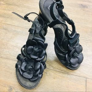 B.O.C leather flower slingback heels 7